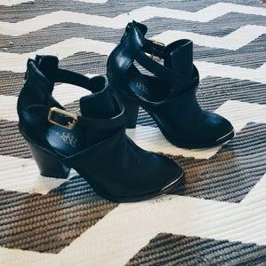 Rock & Republic ankle boot
